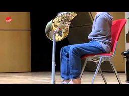 Felix Klieser ein Hornist ohne Arme
